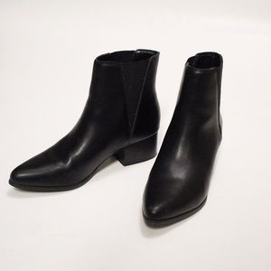 Urban Outfitters Pola Chelsea Boot